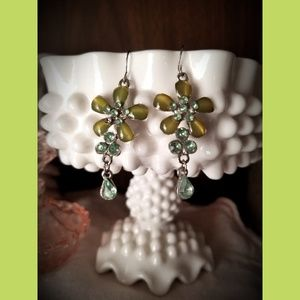 Costume flower earrings green dangle spring summer